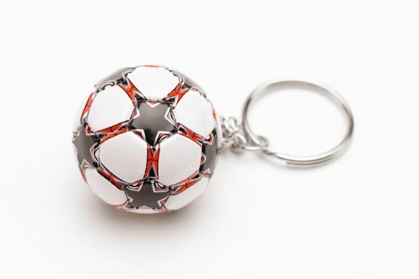 """Брелок футбольный мяч """"Красный"""""""