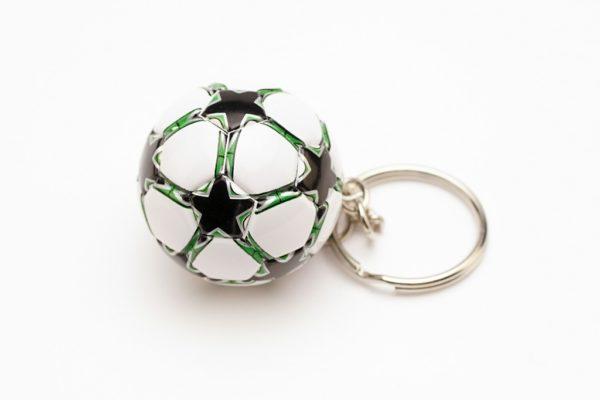 """Брелок футбольный мяч """"Зеленый"""""""