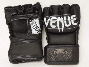 Venum Challenger Перчатки для мма Черный/белый